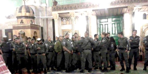 İsrail, El-Halil kentinde yine ezan sesini susturdu