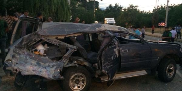 Kastamonu'da  vinç dehşeti; 2 araba ezildi, 4 yaralı