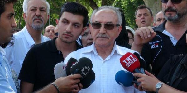 Vatan'daki Emniyet Müdürlüğü önünde Adnan Oktar'a destek eylemi
