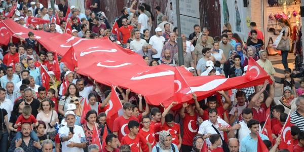 Ordu'da 15 Temmuz için Türk bayraklı büyük yürüyüş