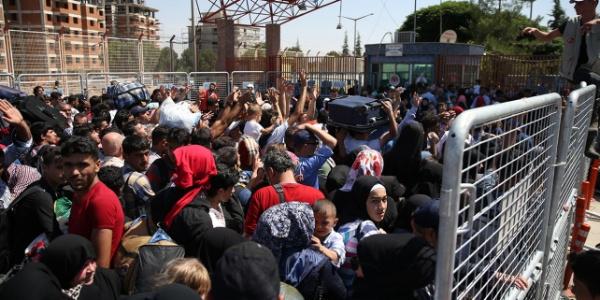 Ramazan bayramı için ülkesine giden Suriyelilerden 40 bini döndü