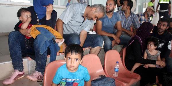 149 kaçak Suriyeli su alan tekne yüzünden  denize açılamadı