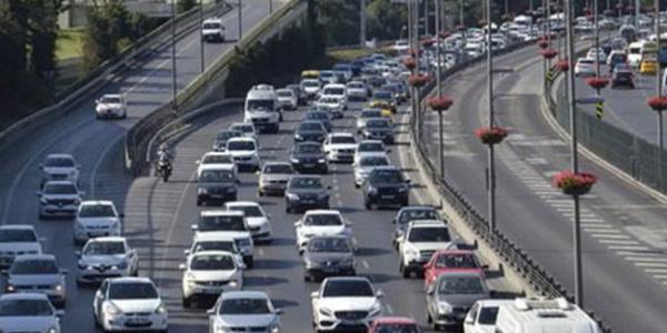 İstanbul Büyükşehir'den TEM'deki trafik sıkışıklığı için önlem