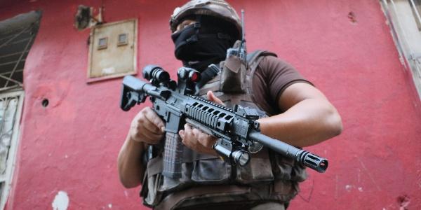 Adana emniyetinden torbacılara şafak baskını