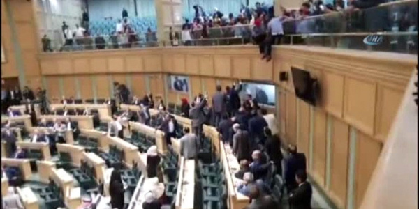 Ürdün Meclisi'nde güven oylaması sırasında intihar girişimi