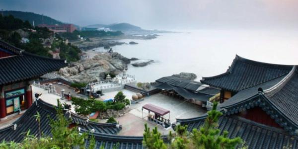 Güney Kore'nin tatil adası Jesu, Yemen'den kaçan mültecilerle doldu