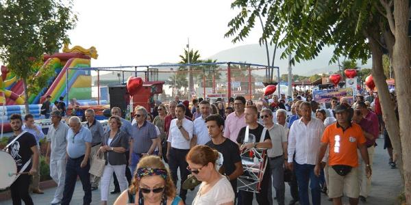 Erdek Aşk festivali tatilcileri coşturdu