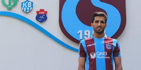 Trabzonspor, İranlı milli futbolcu Vahid Amiri'ye 2 yıllık imza attırdı
