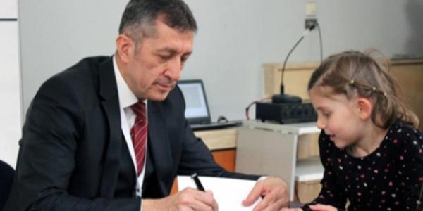 Milli Eğitim Bakanı Ziya Selçuk'u memleketi Gölbaşı'da seğmenler karşıladı