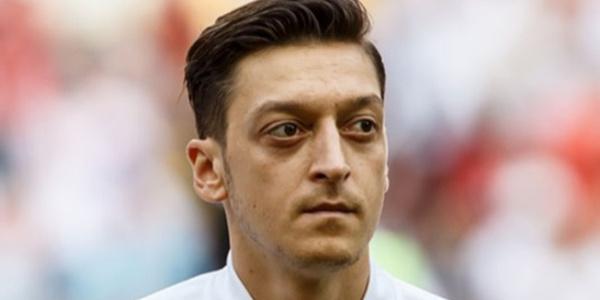 Spor camiasından Mesut Özil'e büyük destek