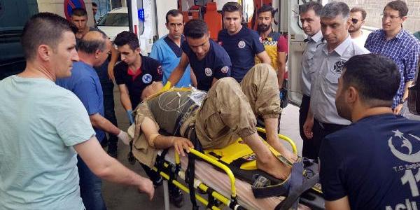 Siirt'te şarampole yuvarlanan araçtaki 4 asker yaralandı