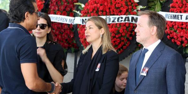 Demirören Holding ailesinden iş adamı Ayhan Bozkurt'a son görev