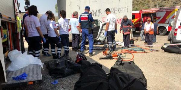 Ankara'da hayatını kaybeden 4 kişilik ailenin cenazeleri Erzurum'a getirildi