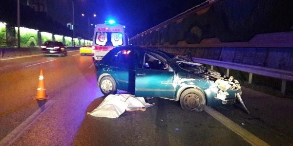E-5 Maltepe'de takla atan aracın sürücüsü öldü