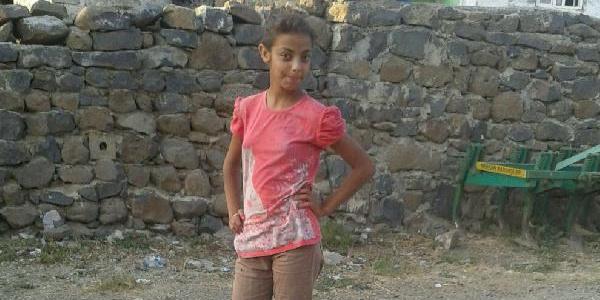 12 yaşındaki kız çatıdan sarkan kablo yüzünden can verdi