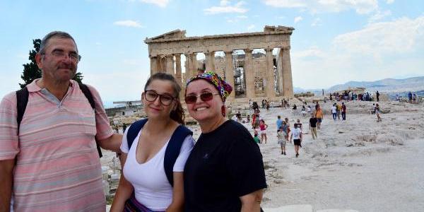 """""""Bacaktaki ağrı"""" onları Atina'daki yangın felaketinden kurtardı"""