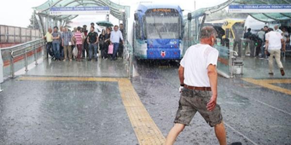 Meteorolojiden İstanbul'a 15.00 ile 17.00 arasına dikkat uyarısı