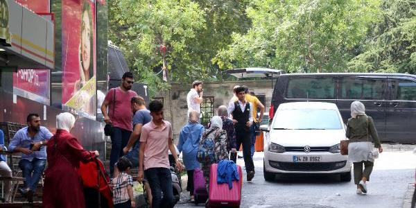 Şişli'de 150 odalı otel, içerisindeki müşterilerle birlikte tahliye edildi