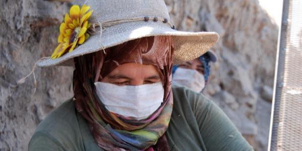 Kayseri'de 6 bin yıllık tarih kadın eli ile gün yüzüne çıkıyor