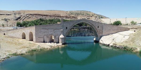 9 asırlık Malabadi köprüsü hayranlık uyandırıyor