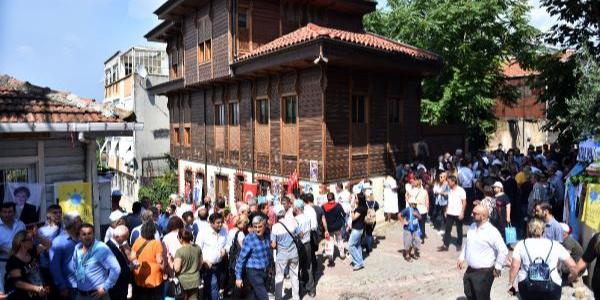 Meral Akşener, Pazartesi Parti Genel Merkezi'ne gidecek