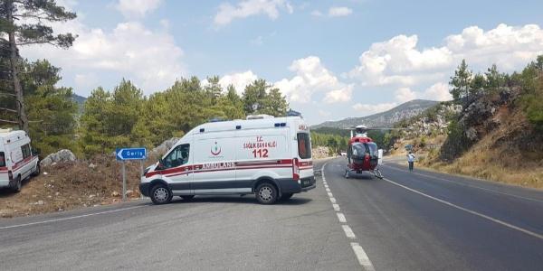 Antalya'da Çinli turist dolu otobüs otomobille çarpıştı: 2 ölü, 33 yaralı