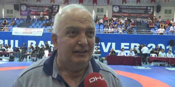 Milli güreşçiler 46. Uluslararası Yaşar Doğu Güreş Şampiyonası'nda ter döktü