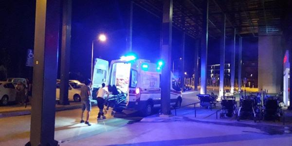 İzmir Ödemiş'te ani manevra yapan kamyonet savruldu: 7 yaralı