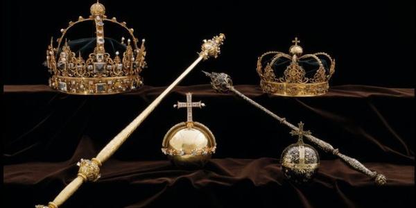 İsveç'te kraliyet tacı ve asasını müzeden çaldılar