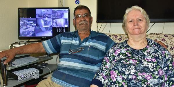 Parkinson hastası eşi yüzünden 70 yaşında mucit oldu