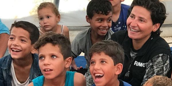 Suriye'den kaçıp Hatay'a gelen çocukların çizgi film heyecanı