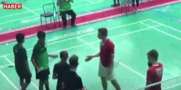 Suudi öğrenciden İsrailli öğrenciye şok: Elini sıkmadı