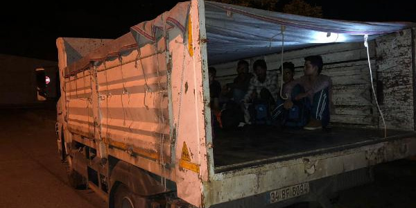 Gaziosmanpaşa'da kaçak göçmenleri çıkardıkları sesler ele verdi