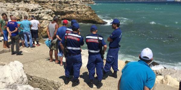 Kırklareli'nde denizde kaybolan Suriyeli 2 kızdan birinin  cesedi bulundu