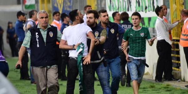 Bursaspor-MKE Ankaragücü maçında gerilim: 9 gözaltı
