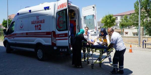 Gölbaşı'nda şarampole devrilen araçtaki 8 Suriyeli yaralandı
