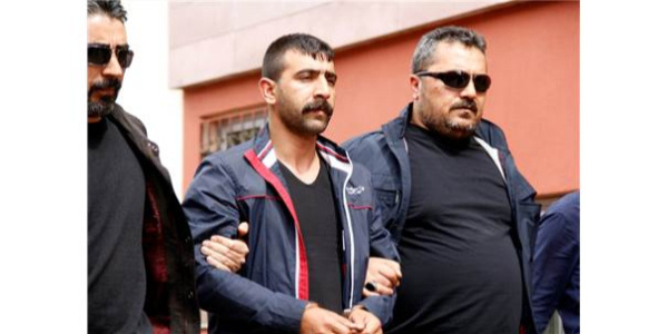 6 ayrı cinayetten hükümlü şahıs cezaevinden çıkar çıkmaz 1 kişiyi öldürdü