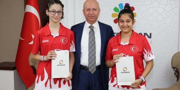 Kocasinanlı Betül Nur Kahraman, Edirne'den Balkan Şampiyonu olarak döndü