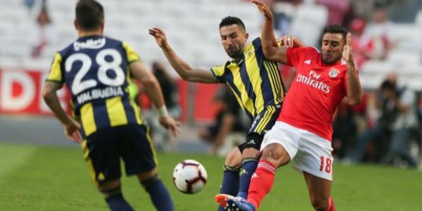 Fenerbahçe, Benfica deplasmanında 1-0 mağlup dönüyor
