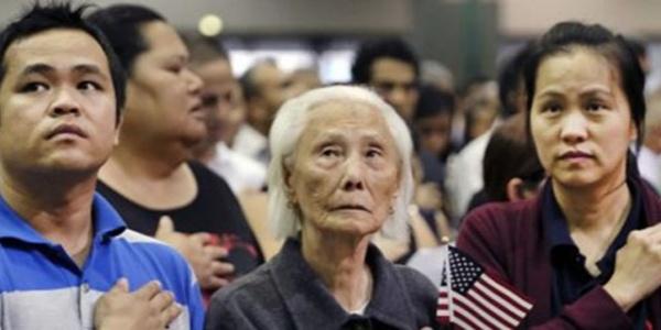 Trump, ABD vatandaşlığı için yeni şartlar getiriyor