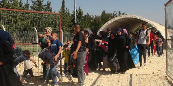 Kilis'ten 8 günde bayram için Suriye'ye gidenlerin sayısı 8 bin 500'ü aştı