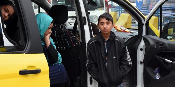 Kastamonu'dan Bitlis'e giden taksi dönüşte Sivas'ta durduruldu
