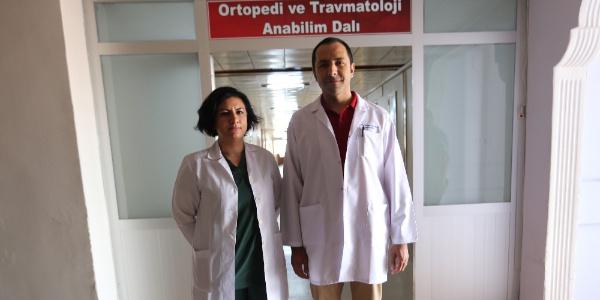 Sivas'ta hastanın ayak kemiği kalçasına nakledildi