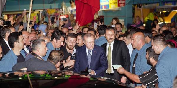 Cumhurbaşkanı Erdoğan Güneysu'dan seslendi: Onların doları varsa bizim de..