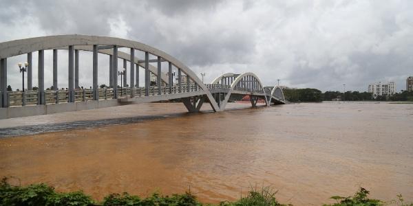 Hindistan'da muson yağmurları felaketi : 27 ölü