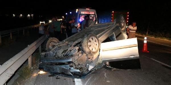 Sakarya Pamukova'da tek şeritli yolda kaza : 5 yaralı