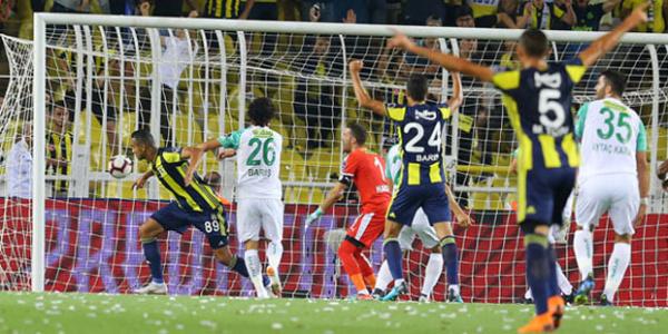 """Fenerbahçe, Bursaspor karşısında """"VAR""""la kazandı: 2-1"""