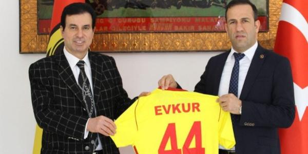 Yeni Malatyaspor Evkur ile bir yıllık daha anlaşmaya vardı