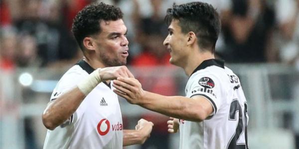 Beşiktaş'ın yediği golde hatası olan Necip'e Pepe'den destek