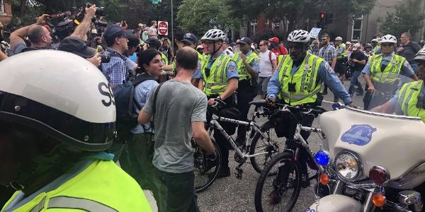 Washington'da Irkçı eylemlerin yıl dönümünde eylemciler ikiye bölündü